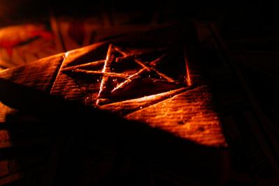 Magie a okultismus_(400x267)