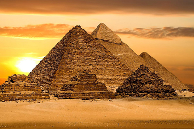 Pyramidy začaly vysílat energii (400x267)